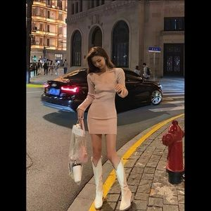 Bodycon Pink dress with heartneck detailing OS